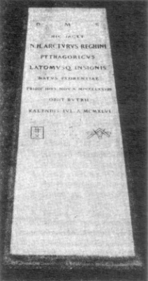 Tomba di Arturo Reghini nel cimitero di Budrio, prima della traslazione dei suoi resti nel loculo.