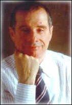 Salvi Piazza, laureato in filosofia, con una tesi sulla fenomenologia religiosa, è stato collaboratore del Prof. Fausto Salvoni e docente presso la Facoltà Biblica Internazionale di Milano. Abilitato all'insegnamento della psicologia, si è dedicato alla pratica e all'insegnamento della psicologia esoterica, della simbologia dei Tarocchi, della astrologia esoterica e della filosofia rosacrociana. E' studioso di lingue e culture orientali (diploma ISMEO in lingua e cultura arabo-islamica). Da vari anni dirige una scuola internazionale di esoterismo. Ha svolto un'intensa attività di conferenziere in Italia e Svizzera. Ha pubblicato articoli e studi su importanti riviste di scienze esoteriche. E' esperto in tecniche di respirazione, massaggio ayurvedico, meditazione dinamica e trascendentale. Svolge attività di counselling ed aiuto per la risoluzione di problematiche esistenziali ed il recupero delle energie interiori.