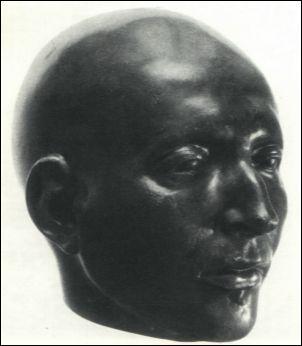 Il viso di Ignazio di Loyola in un bronzo sull'impronta della maschera mortuaria